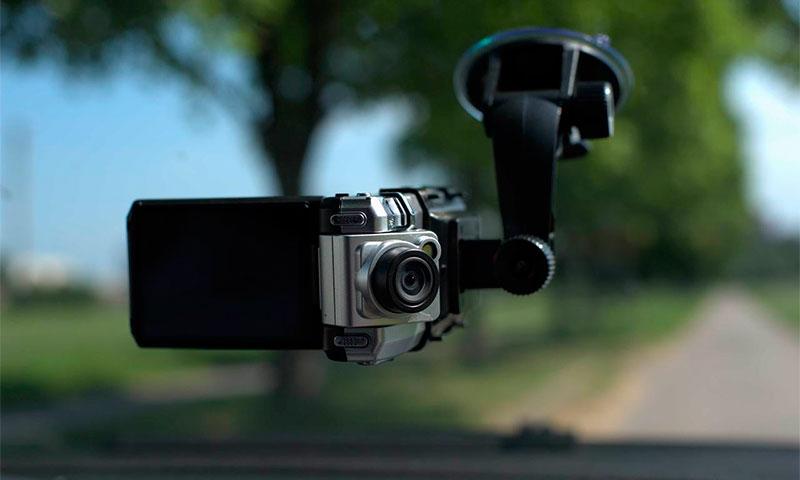 Рейтинг лучших видеорегистраторов по отзывам автомобилистов