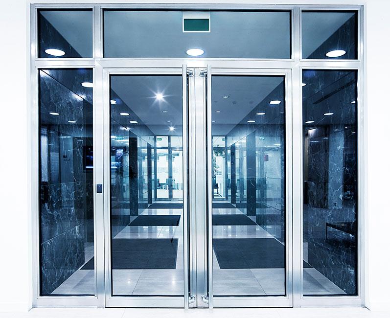 steklanie dveri