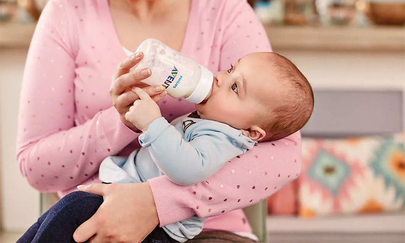 10 детских бутылочек для кормления и воды с рождения до года, которые любят малыши и мамы