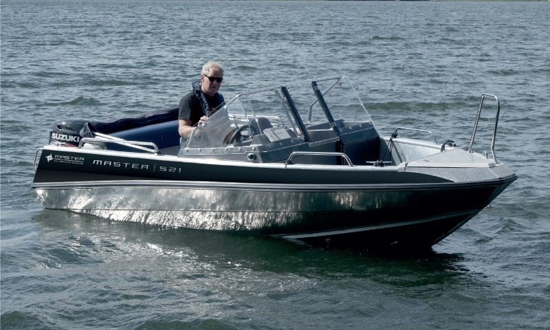 MASTER 521 — для рыбалки далеко от берега