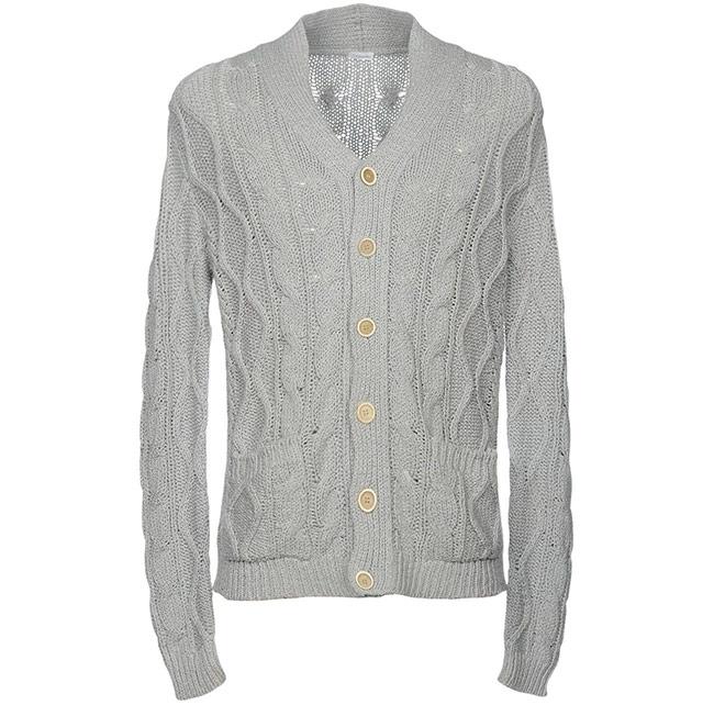 c3146bbe719 Повседневный мужской кардиган на пуговицах и с шалевым воротником от  итальянского производителя станет отличной заменой обычному пуловеру.